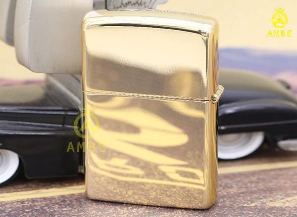 zippo vàng trơn bóng