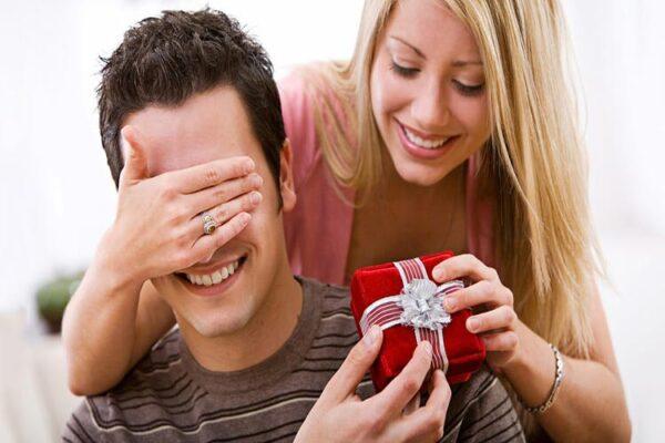 bí quyết chọn quà tặng bạn trai