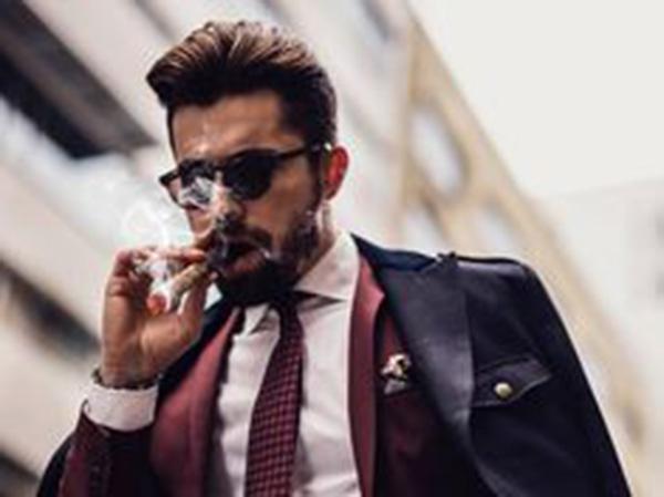 doanh nhân và thú chơi xì gà