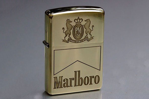 Bật lửa Zippo Marlboro
